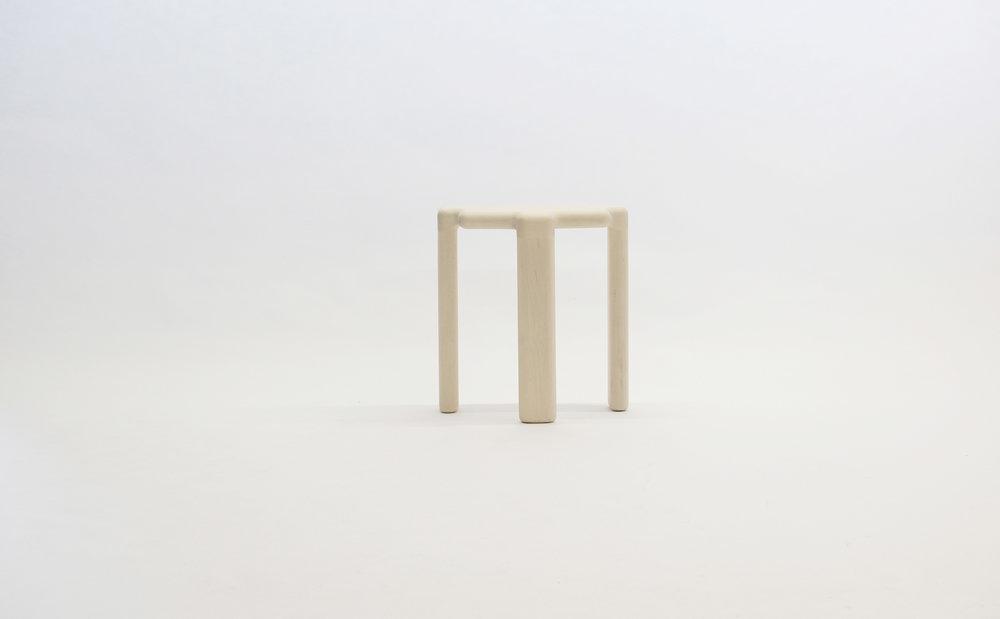 stool_bone_06c_white_loicbard.jpg