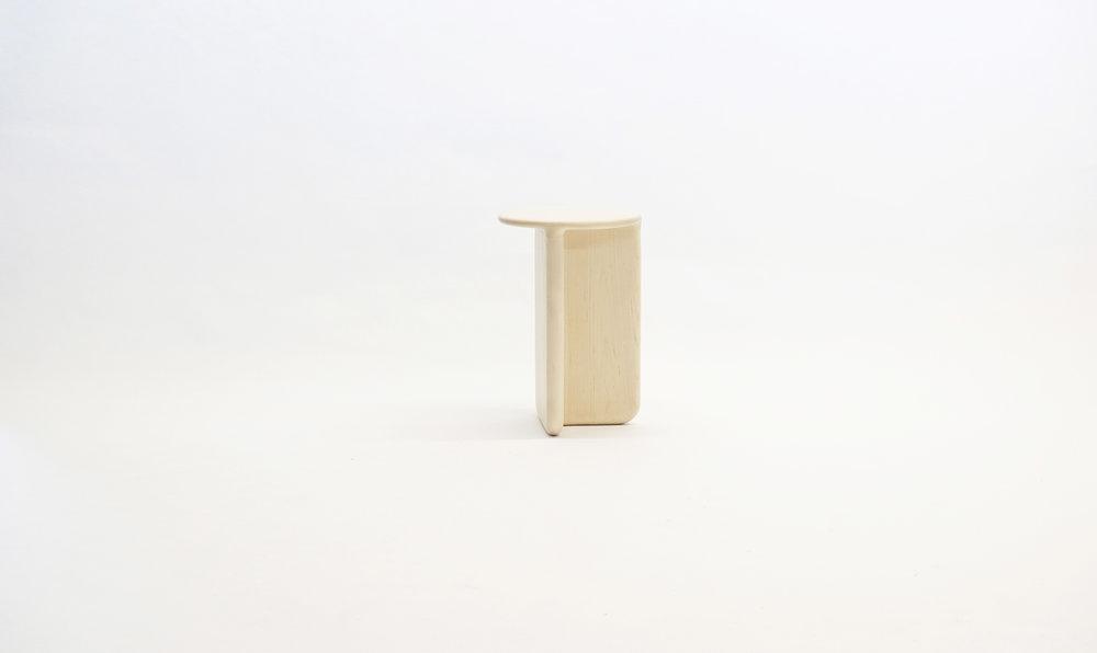 stool_bone_07b_loicbard.jpg