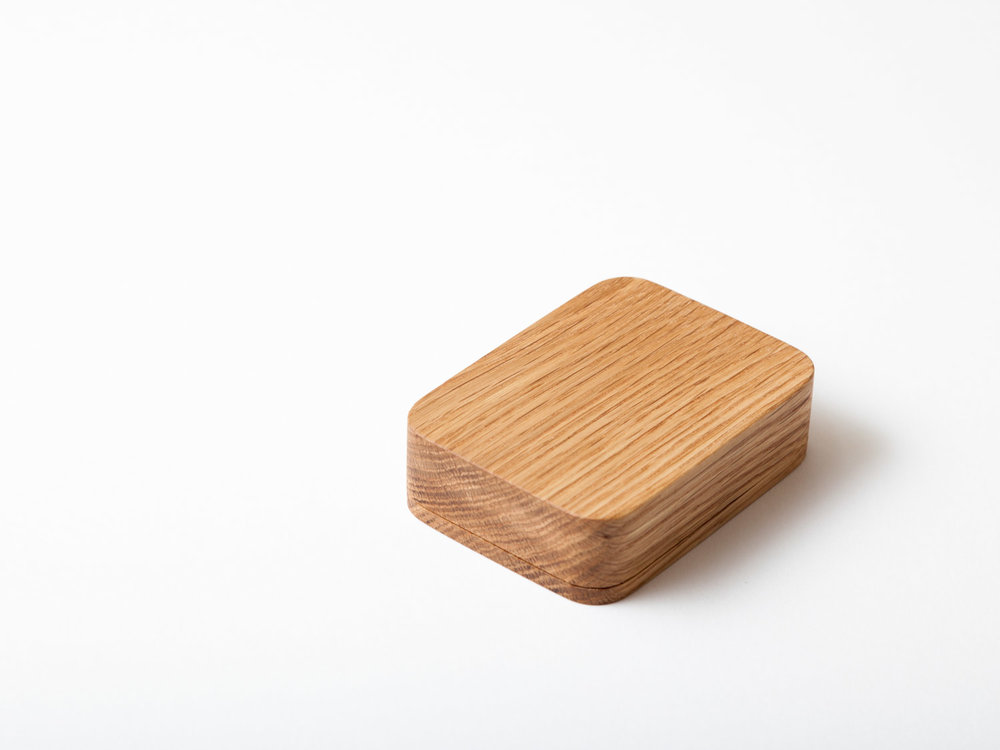 Kneip_cardbox_02.jpg