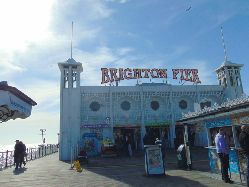 Wondering-Through-Brighton-Pier-Sign