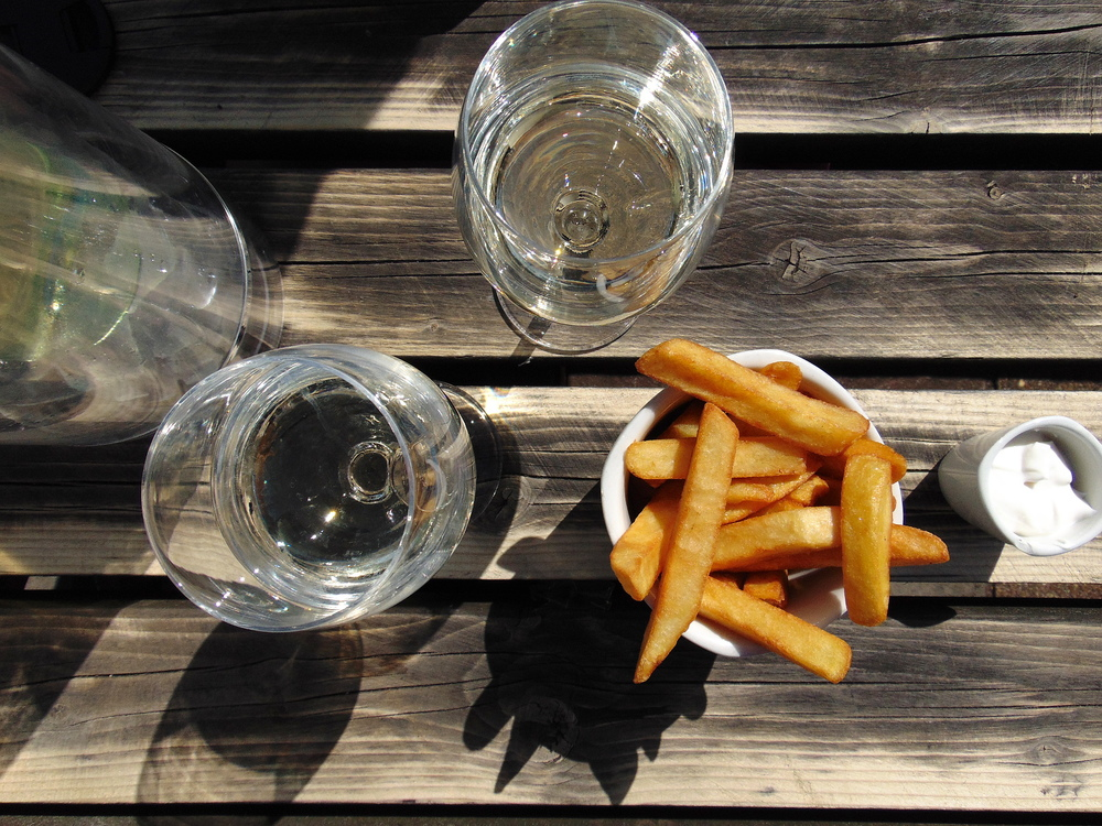 Wondering-Through-Snapshots-Sunday-Barmy-Arms-Chips-Wine