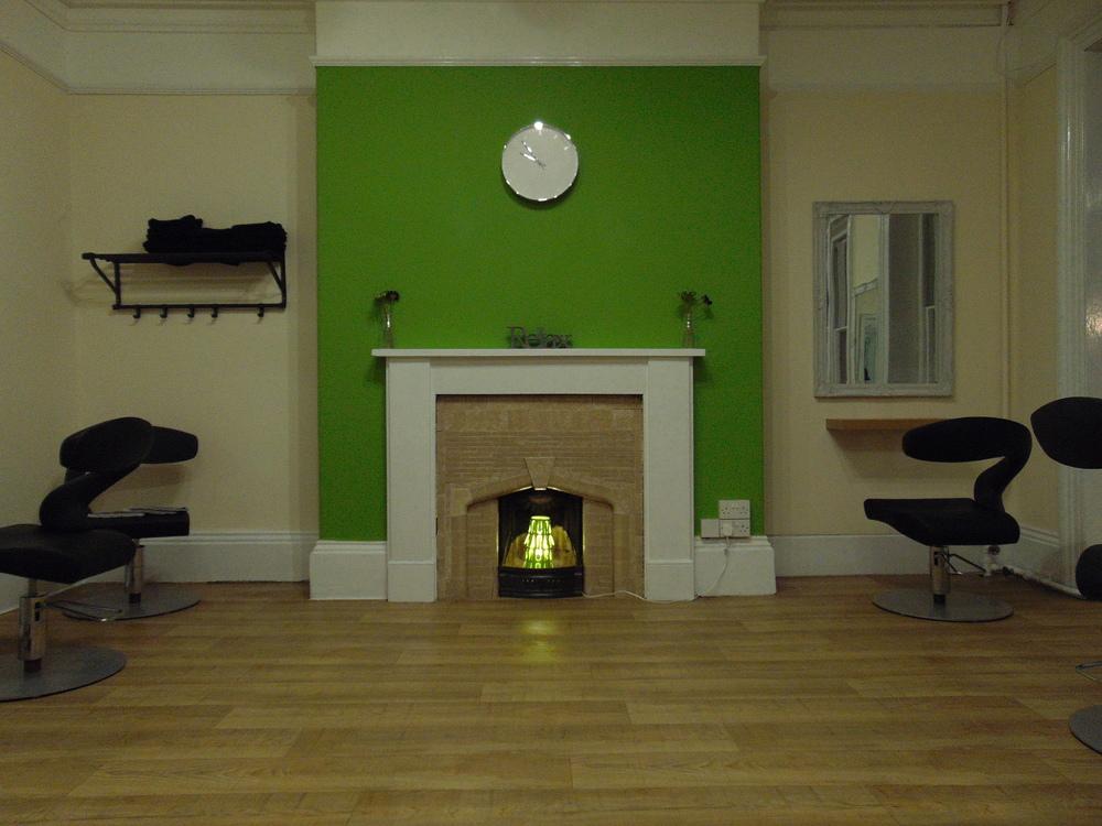 Wondering-Through-Venus-Beauty-and-Hair-Salon-Tavistock-Devon-Hairdressers.JPG