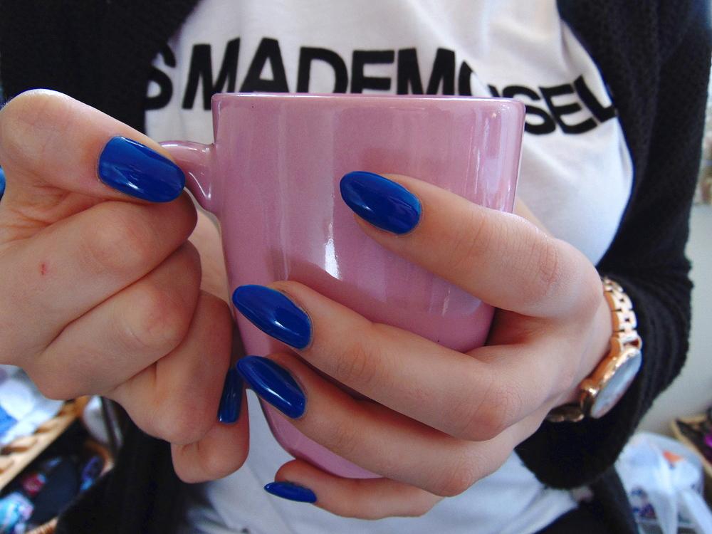 Wondering-Through-Me-Tea-Blue-Nails.JPG