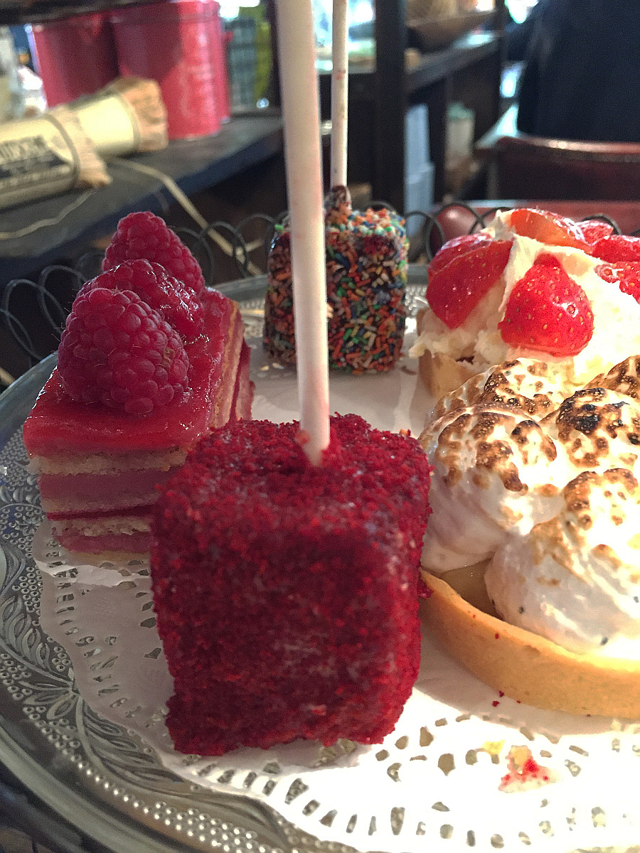 Wondering-Through-Eat-Afternoon-Tea-at-Bill's-Cake.JPG
