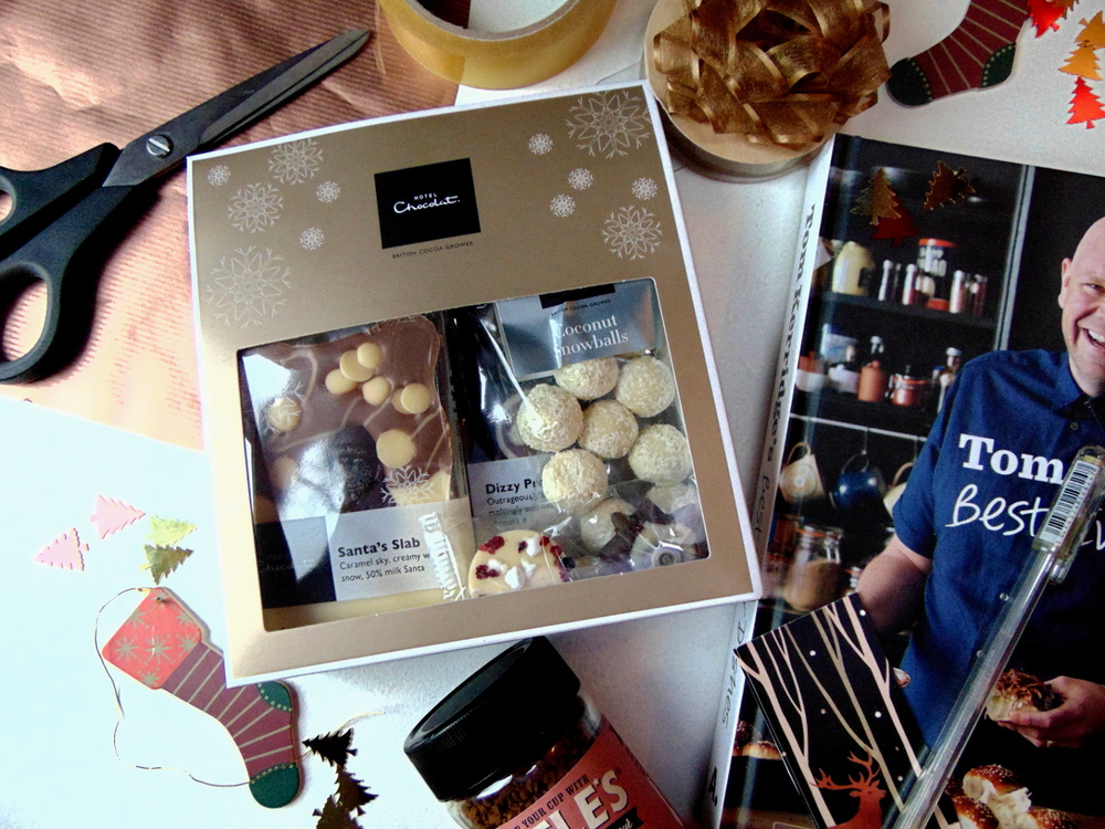 Wondering-Through-November-Favourites-Wrapping-Gifts-Hotel-Chocolate-Cookbooks-Christmas.JPG