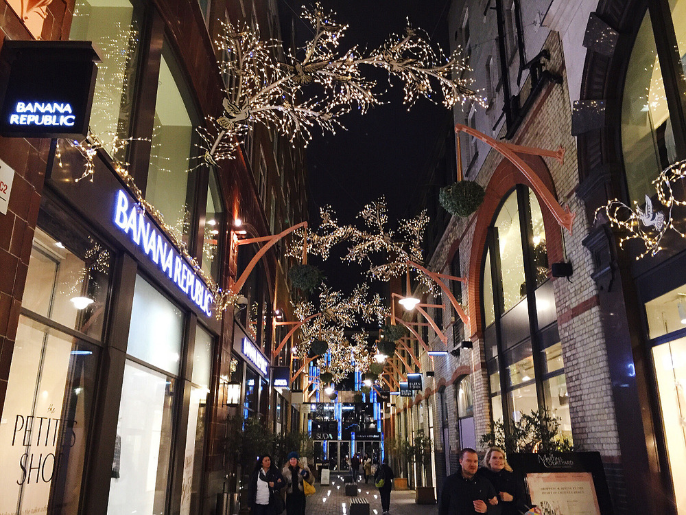 Wondering-Through-Christmastime-in-the-City-Covent-Garden-Lights.JPG