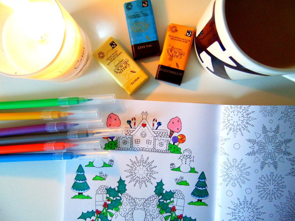 Wondering-Through-Evenings-in-Alone-Colouring-Chocolate-White-Company-Candle.JPG