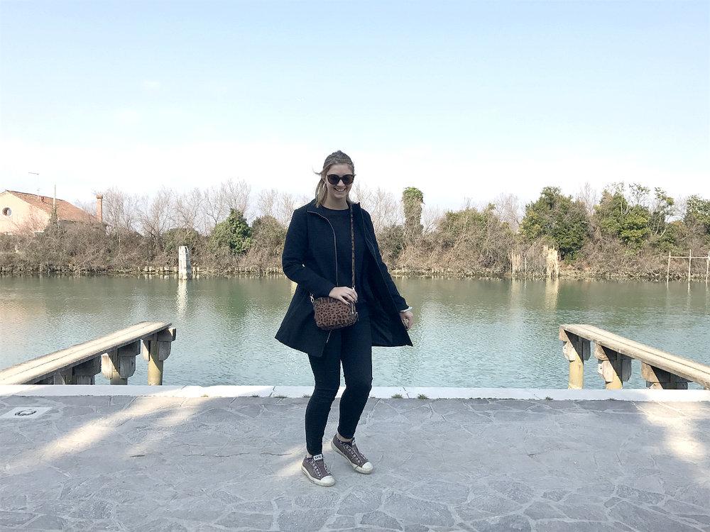 Wondering-Through-Venice-Burano-River-House.JPG