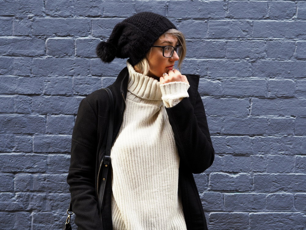 Wondering-Through-Lifestyle-Devon-Blogger-Purple-Wall-Fashion-Style-Winter.JPG