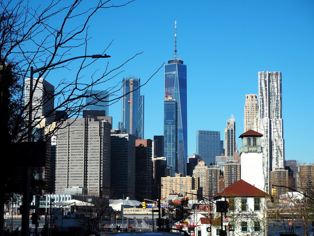 Wondering-Through-Visit-New-York-Dumbo-Brooklyn-Travel-Blogger-Brooklyn-Bridge-Manhattan-Skyline-Freedom-Tower.JPG
