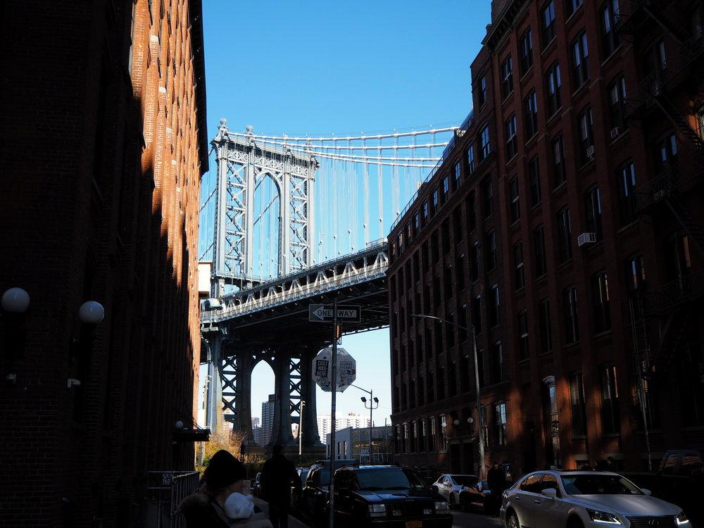 Wondering-Through-Visit-New-York-Dumbo-Brooklyn-Travel-Blogger-Manhattan-Bridge.JPG