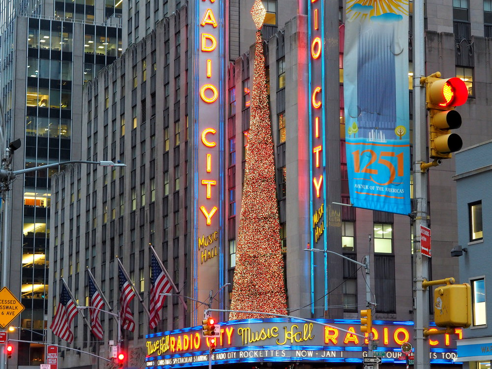 Wondering-Through-Visit-New-York-Manhattan-Travel-Blogger-Radio-City-Music-Hall.JPG