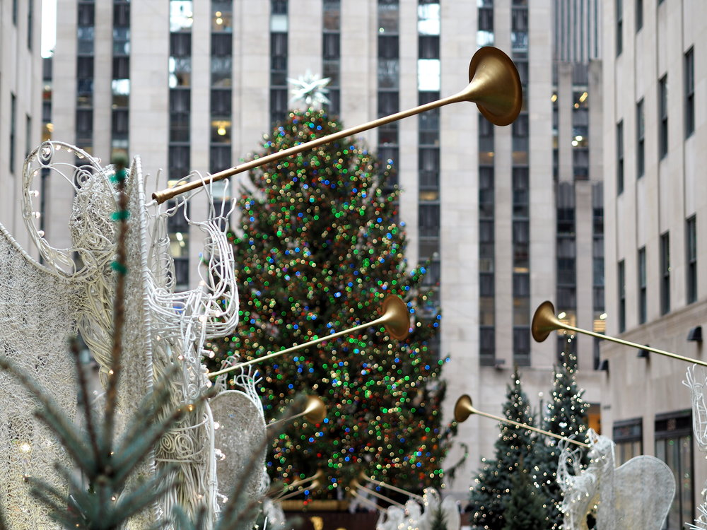 Wondering-Through-Visit-New-York-Manhattan-Travel-Blogger-Rockefeller-Center-Tree.JPG