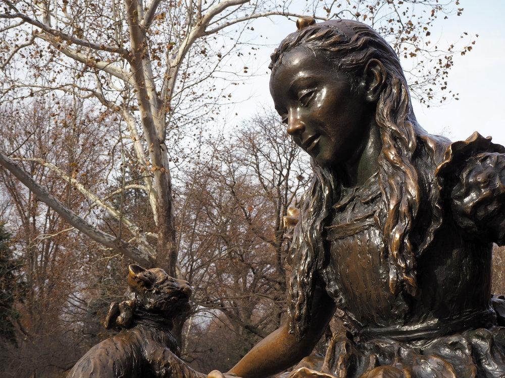 Wondering-Through-Visit-New-York-Manhattan-Travel-Lifestyle-Blogger-Central-Park-Alice-in-Wonderland.JPG