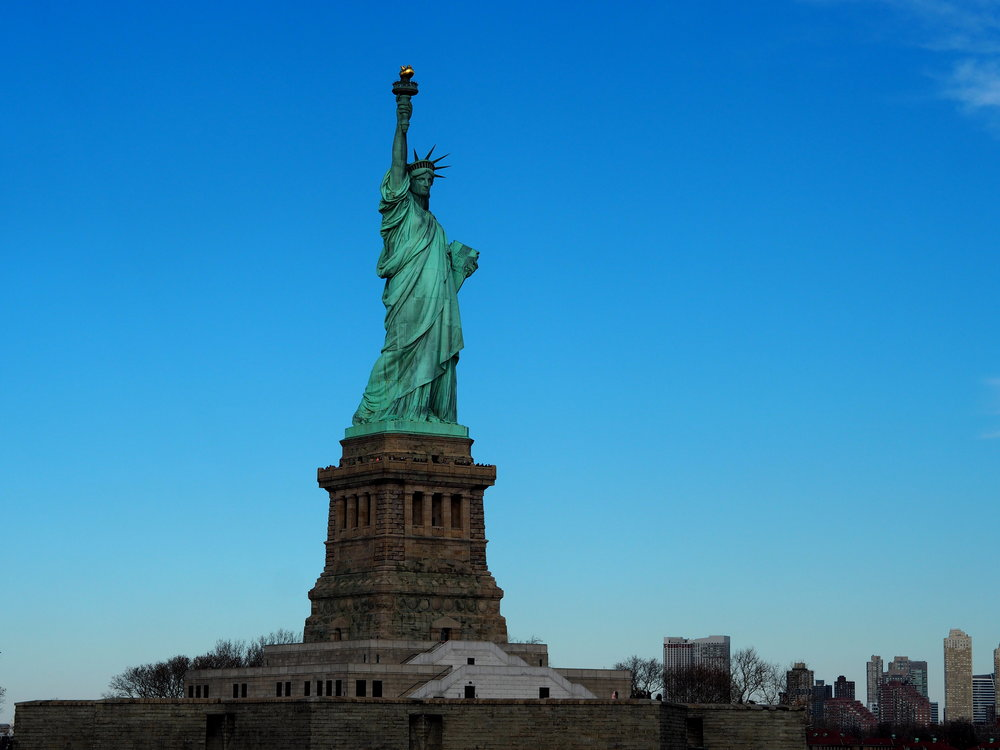 Wondering-Through-Visit-New-York-Manhattan-Travel-Lifestyle-Blogger-Lady-Liberty-Down-town-Boat-trip-Ellis-Island-Statue-of-Liberty.JPG