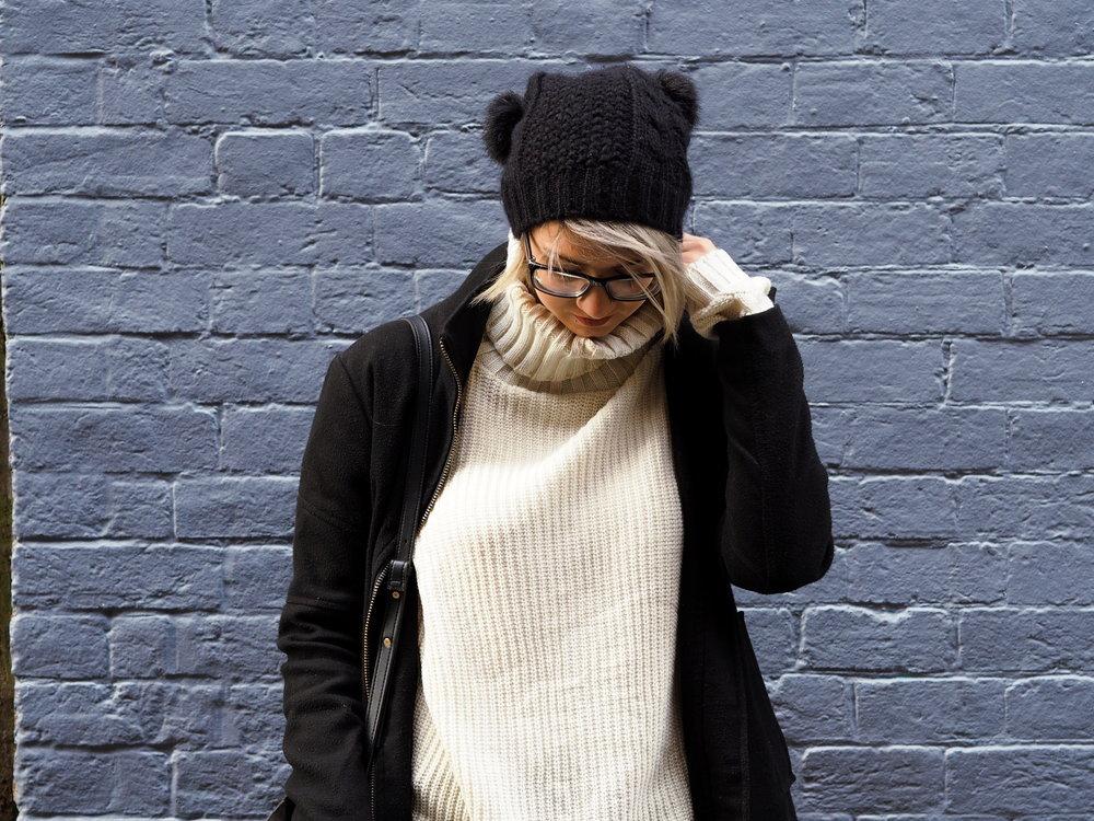 Wondering-Through-Lifestyle-Devon-Blogger-Purple-Wall-Fashion-Style-Winter-ASOS.JPG