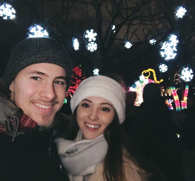 We saw the lights last night at Lincoln Park Zoo! New holiday tradition ✔️🎁