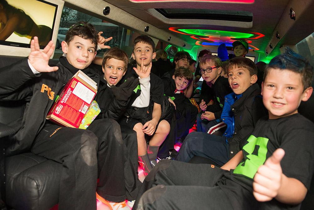 04-aniversario-infantil-curitiba-8anos-germano-festa-na-limousine-positivo-internacional.jpg