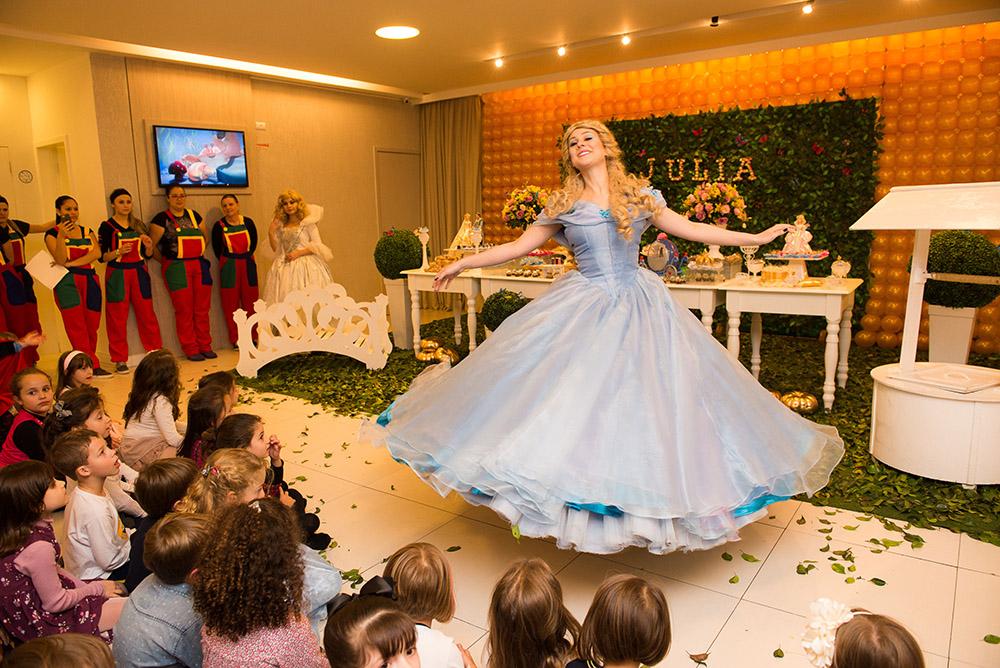 012-aniversario-infantil-cinderela-mundo-kids-curitiba-guswanderley-5anos-julia.jpg