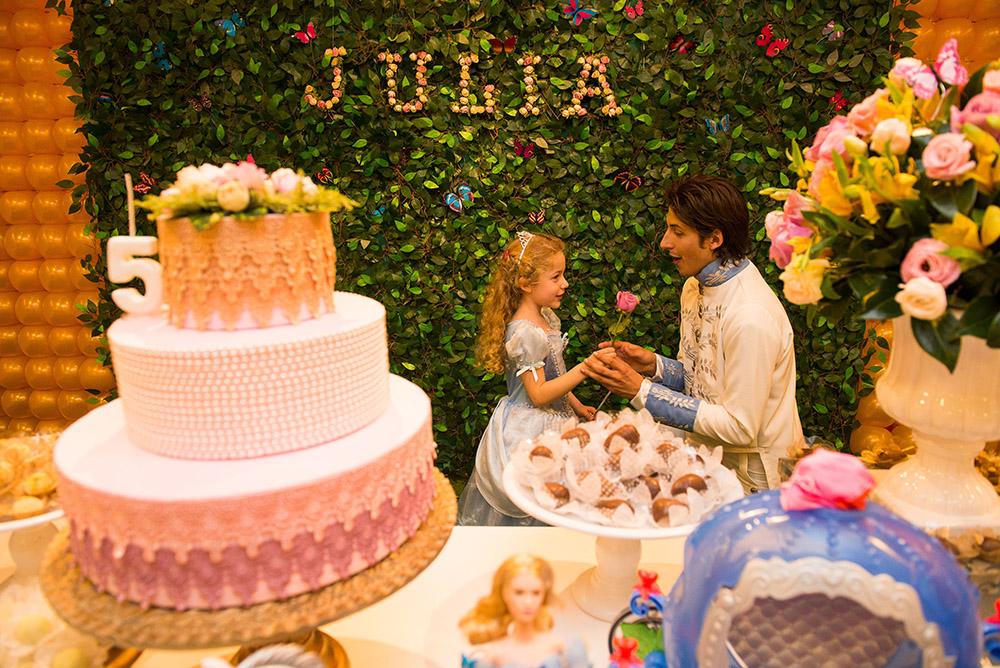 015-aniversario-infantil-cinderela-mundo-kids-curitiba-guswanderley-5anos-julia.jpg