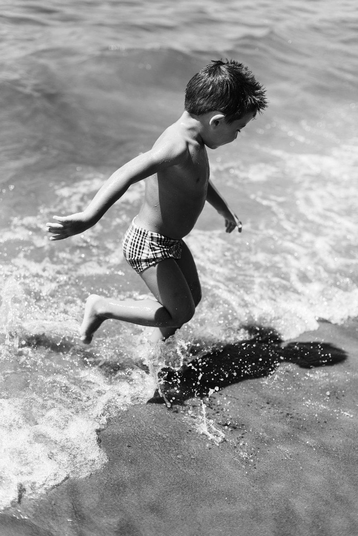 03-ensaio-familia-praia-caioba-parana-fotografo-criancas-guswanderley.jpg