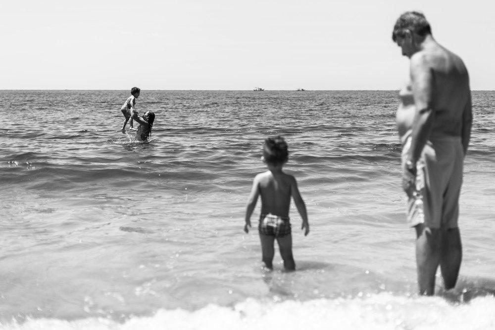 09-ensaio-familia-praia-caioba-parana-fotografo-criancas-guswanderley.jpg