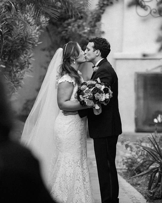 Another anniversary this week! A lovely walk through the @royalpalmshotel - so many hidden little gems to take photos. The loveliest venue. planner:: @impacteventsaz venue:: royalpalmsweddings #royalpalms #weddingday #firstkiss #happyanniversary #gardens #weddingphoto #weddingphotography #phoenixweddingphotographer #royalpalmsweddings #desertwedding #destinationwedding