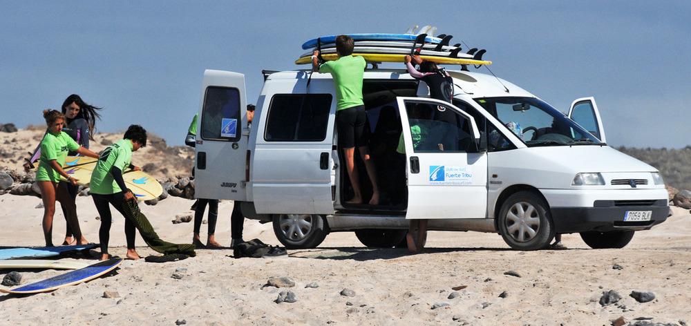 Excursiones de surf infantil y juvenil