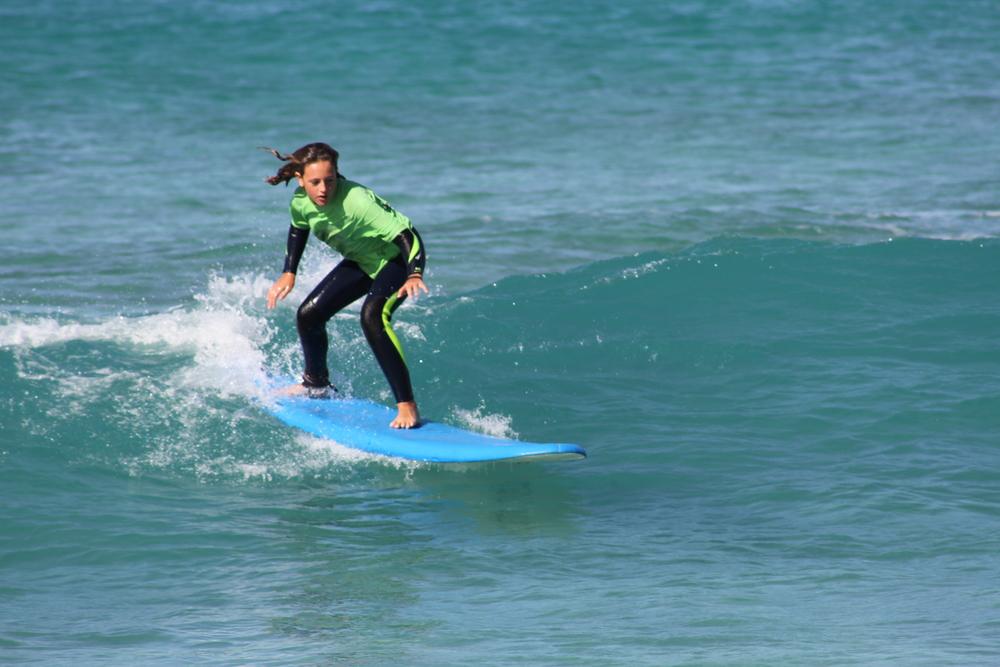 Surf Infantil. Fuerte Tribu Club de Surf