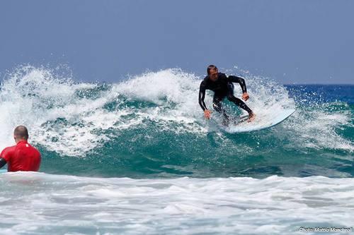 cursos-de-surf-jóvenes-fuerteventura