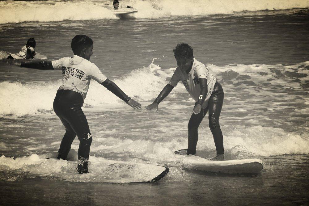 SURF CAMP KIDS