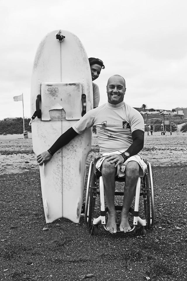"""....Surf adaptado..Adaptive surf..Surf Adattato.... - ....Sabemos que el SURF es una herramienta para promover las habilidades personales y favorece la búsqueda de la normalización de las persona con discapacidad mediante la acción educativa del ocio, la actividad acuática y el deporte en el medio natural.""""El desarrollo social y personal de la persona con autismo, invidentes o cualquier discapacidad física y psíquica mediante el programa de habilidades adaptativas hace al camino de la normalización y la autonomía""""..We know that SURF is a tool to promote personal skills and favors the search for the normalization of people with disabilities through the educational action of leisure, aquatic activity and sports in the natural environment."""
