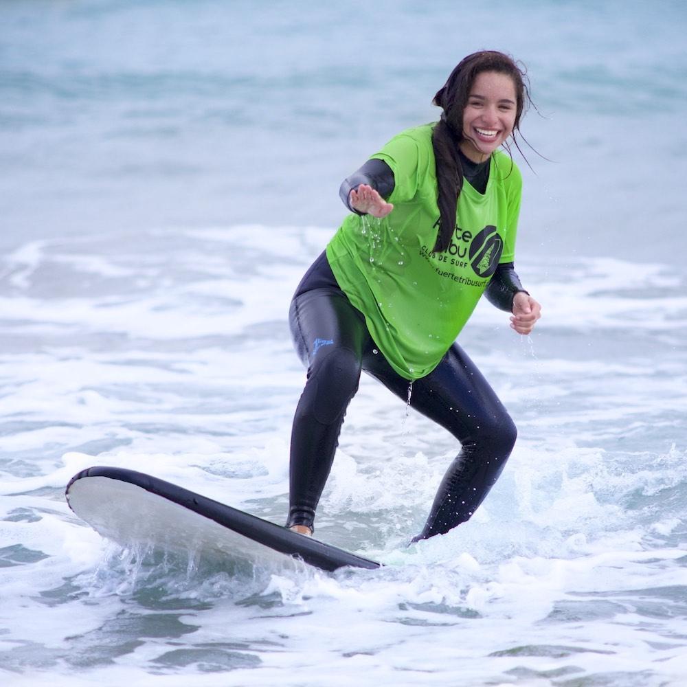 chica_surf_lesson_18 copia.jpg