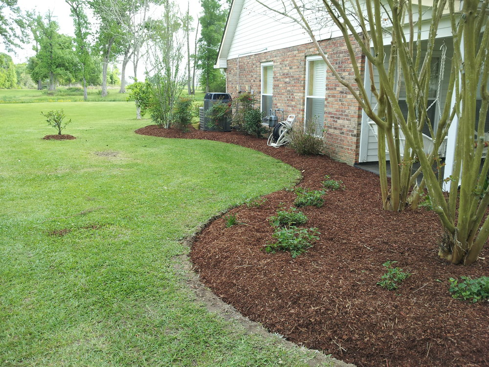 mulch-flowerbeds-baton-rouge-area (11).jpg