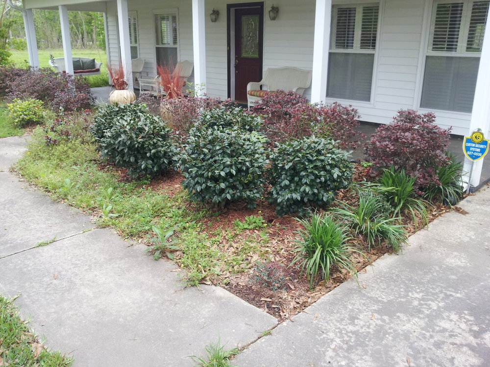 flowerbed-maintenance-baton-rouge-area (1).jpg