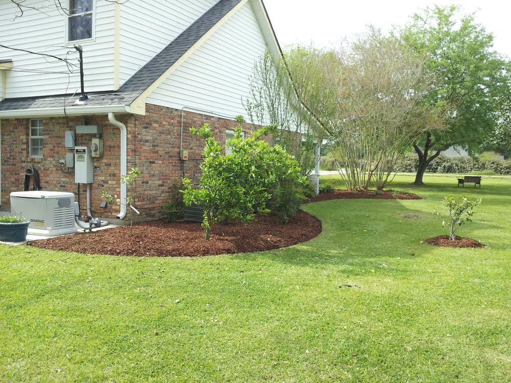 mulch-flowerbeds-baton-rouge-area (13).jpg