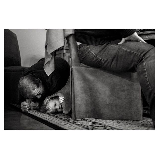 The Williams playing Hide-n-Seek.⠀ A photo from last October. 80 years between them. ⠀ #projectthewilliams⠀ ⠀ ⠀ ⠀⠀⠀ ⠀⠀⠀ ⠀⠀⠀ ⠀⠀⠀⠀⠀⠀ .⠀⠀⠀⠀⠀⠀⠀⠀⠀⠀⠀ .⠀⠀⠀⠀⠀⠀⠀⠀⠀⠀⠀ .⠀⠀⠀⠀⠀⠀⠀⠀⠀⠀⠀ .⠀⠀⠀⠀⠀⠀⠀⠀⠀⠀⠀ .⠀⠀⠀⠀⠀⠀⠀⠀⠀⠀⠀ .⠀⠀⠀⠀⠀⠀⠀⠀⠀⠀⠀ #thesweetlifeunscripted#shamoftheperfect#documentaryphotogs#dfpcommunity#clickmag#familyphotojournalism#myfeatureshot#thefamilynarrative#childhoodeveryday#familyphotographer#documentaryphoto#clickinmoms#thesincerestoryteller#natgeoyourshot#blackandwhitephoto#bnwphotography#documentaryphotography#photographerlife#lifewellcaptured#everydayeverywhere#nikonusa#honestlydocumented#lookslikefilmkids#bnw_kids#themonochromaticlens#bnwphoto#thebeautifulreal#therebelliousstoryteller#blackandwhite