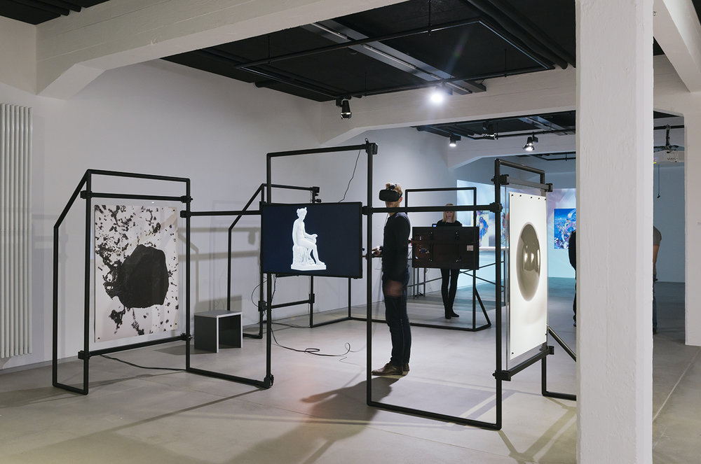 Exhibition view THE UNFRAMED WORLD at HeK Basel, artwork: Banz & Bowinkel, Mercury, 2016 (Installation and VR experience) / Photo by Franz Wamhof