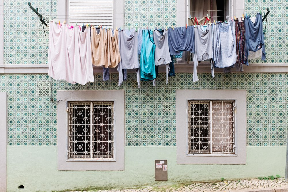 lisbon-portugal-hanging-laundry