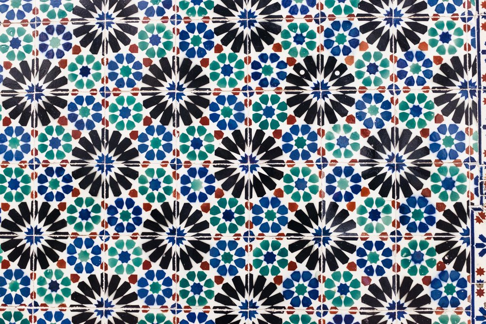 lisbon-portugal-azulejos-tiles-blue-green-black