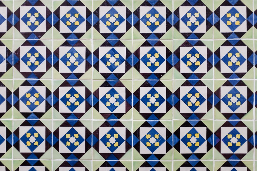lisbon-portugal-azulejos-tiles-green-blue