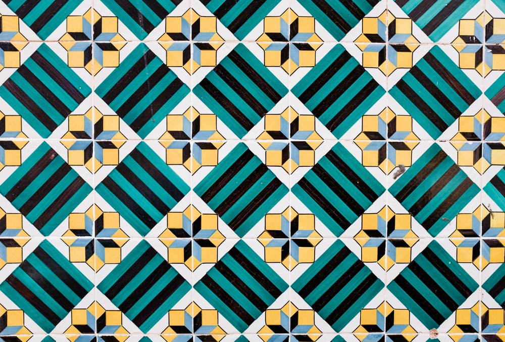 lisbon-portugal-azulejos-tiles-green-yellow-black