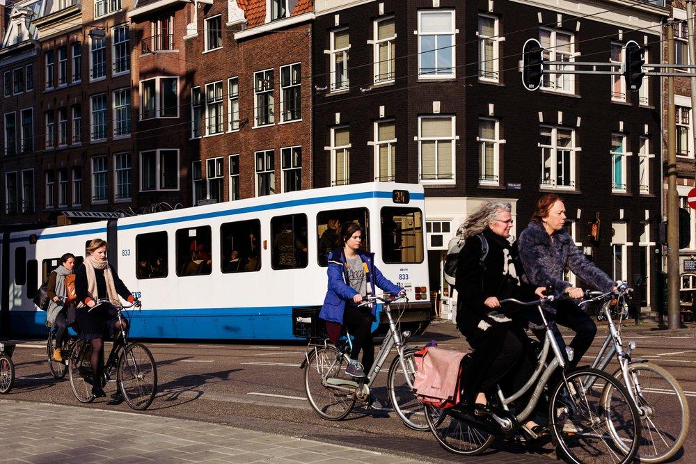 amsterdam-netherlands-bike-commuters
