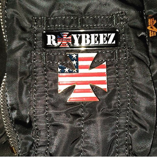 Check out this awesome setup of the Raybeez pin on an Alpha Industries flight jacket. Classic! Good looking out @bobbyheadwrek. Thanks for posting. Shout out to @nomoreindustries.