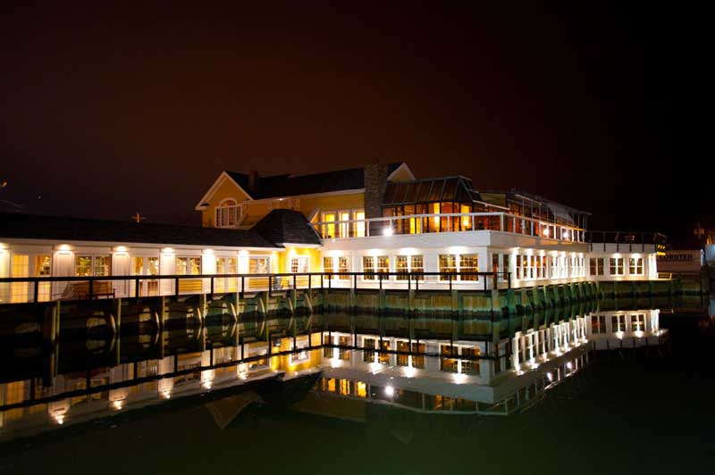 Bridgeview Yacht Club (Image credit via www.bridgeviewyachtclub.com)