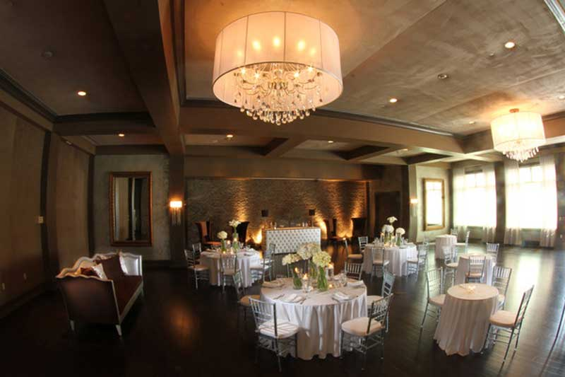 The Village Club At Lake Success (Image credit via www.weddingwire.com)