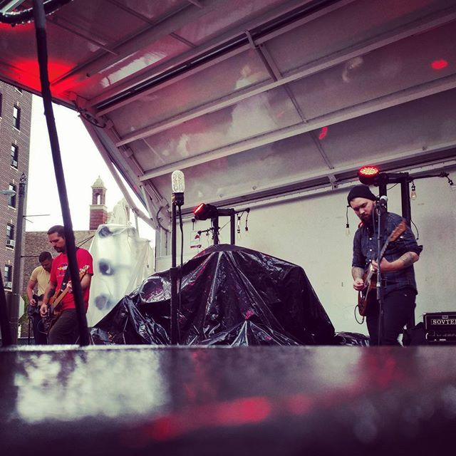 @throneswi at the Kenosha Block Party, sans drummer. 😳 #anthemicrock #myfavoritebands #atmosphere