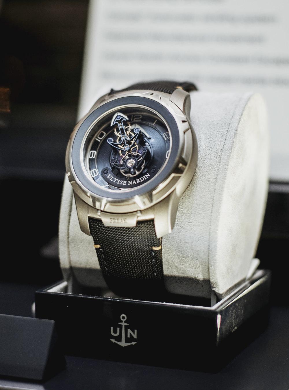 UNroyaljewelers787.JPG