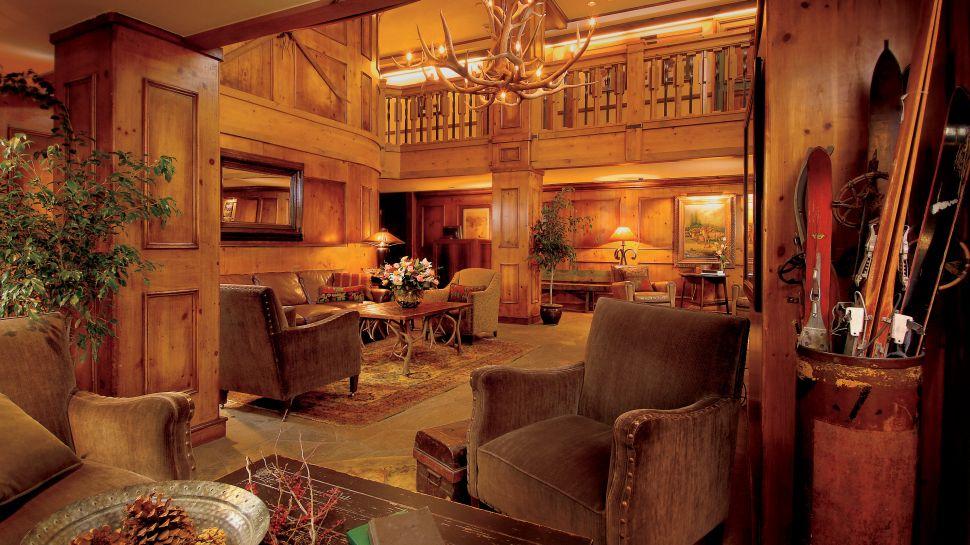 006635-03-lobby-area.jpg