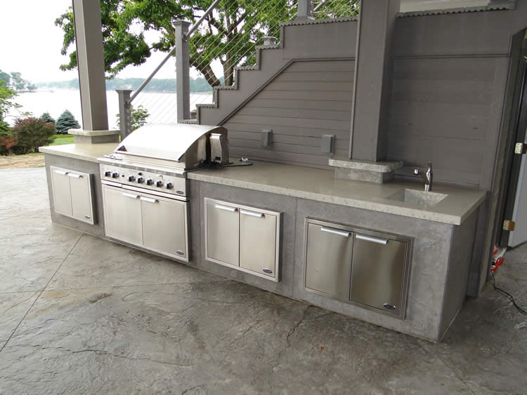 Outdoor Kitchens Michigan
